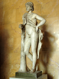 Пракситель. Отдыхающий сатир (Около 340 г. до н.э. Мраморная римская копия. Санкт-Петербург)