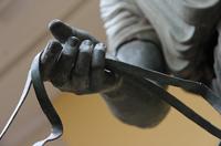 Дельфийский возничий (Фрагмент. Бронза. Около 470 г. до н.э. Дельфы, музей)