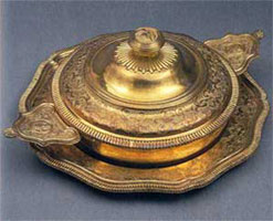 Бульйонная чаша (А. де Сент-Никола, I половина XVIII в.)