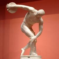 Дискобол (Мирон. Римская мраморная копия. Около 450 г. Рим. Музей Терм)