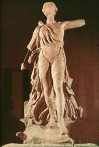 Ника, спускающаяся с Олимпа (Пэоний. V в. до н.э.)