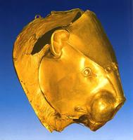 Золотой ритон с головой льва. Микены