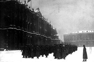 Парад солдат перед Зимним дворцом