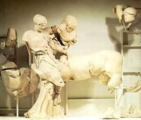 Гречанка и кентавр (Западный фронтон храма Зевса в Олимпии. I половина V в. до н.э. Олимпия, Музей)