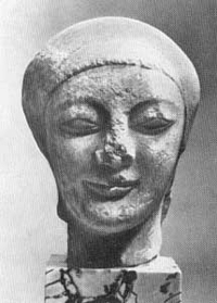 Голова девушки из Милета. Мрамор.Середина VI в. до н.э. Берлин, Государственный музей