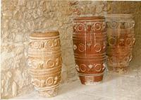 Кувшины-пифосы. для хранения вина и масла. Крит