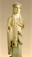 Задумчивая Кора с афинского Акрополя. VI в. до н.э. Афины, Музей Акрополя